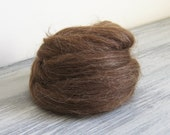 Natural wool roving - undyed Icelandic wool in dark brown ideal for felting and spinning