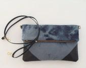 Cross body clutch with pockets gray tie dye