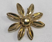 Vintage Gold Colored Daisy Brooch Pin