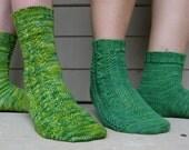 Seaweed Socks - KNITTING PATTERN, PDF