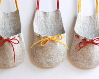 Set of 3 hanging baskets - toys organizer - felted wool baskets from natural beige wool with red and yellow strings
