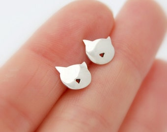 Kitty earrings - sterling silver cat earrings studs