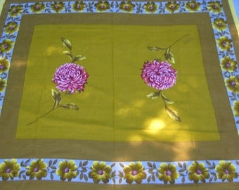 On Sale - 1960s Vintage Tablecloth with Pink Flower and Daisies around Edges.