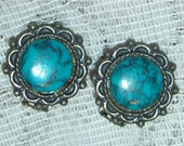 high quality turquoise blue stone cabachon on silvertone clip earrings