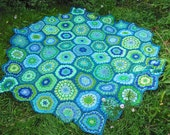 Make it yourself! pattern for hexagon flower blanket in greens and blues