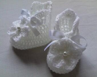 Crochet Baby Booties gift baby shower photo prop white satin ribbon white flower