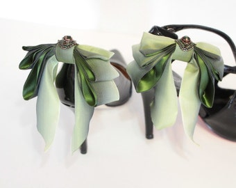 Bow Shoes clips -  color shifting green bow shoe clips- triple bow shoe clips