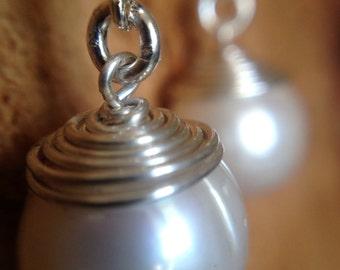 classic pearl earings