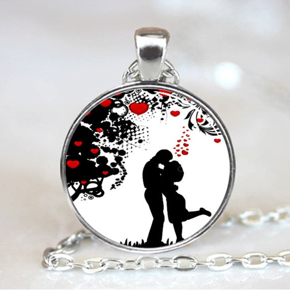 Lovers Under Tree Of Hearts Valentives Necklace Pendant (PD0433)