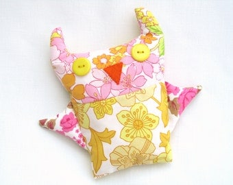 Vintage Fabric Owl - plushie owl in retro fabric