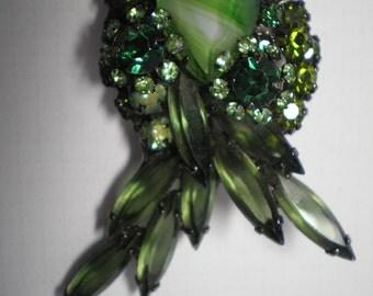 D&E aka Juliana Chalk White and Green Brooch   Item No:16667