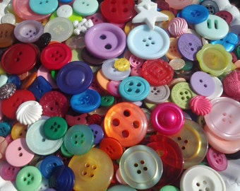 """200 Mixed Assorted Rainbow Colored Buttons - bulk buttons in multi sizes 1/8"""" up to 1-1/2"""", lots of variety and color"""