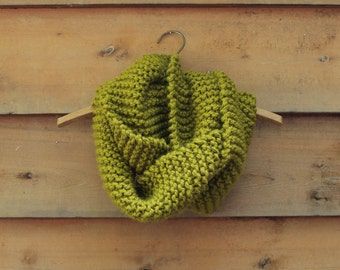 Oregon Scarf - Chunky knit circular scarf in moss green color
