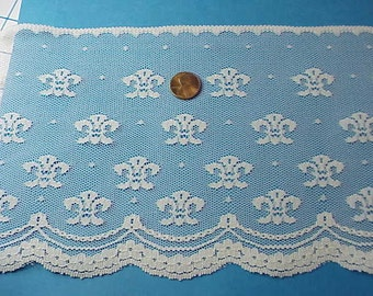 10 yards off-white lace -VINTAGE- B-6