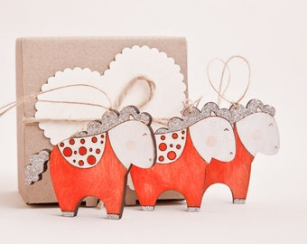 Red Xmas Ornaments Holiday Ornaments Christmas Decoration Wooden Glitter Horses Cute New Year Gift
