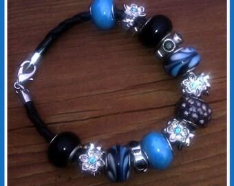 Trinkette Style Bracelet Light Blue and Black Fashion Jewelry