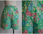 Vintage Floral Print High Waisted Cotton Shorts Size 8 Size 10