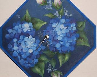 Blue hydrangea clock