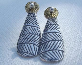 Lea stud earrings