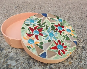 Round Mosaic Flower Keepsake Box