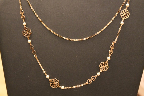 Vintage Necklace Golden  Link  Hearts and Lace and Pearls necklace by Avon