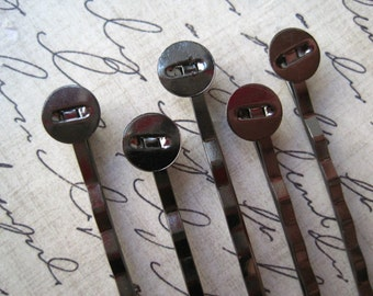 Black Bobby Pin / Hair Pin 50pcs Gunmetal with 8mm Glue Pad.....Perfect for Resin Flowers & Cabochons