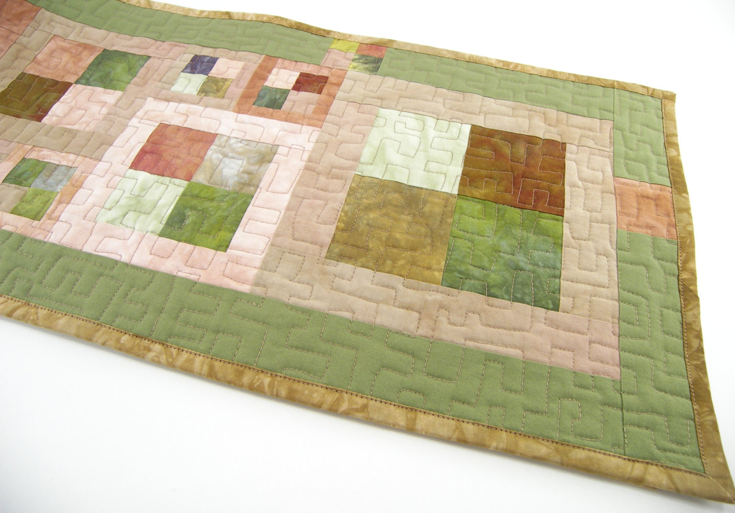Quilted table runner modern quilt table by sonyabensonquilts for Modern table runner