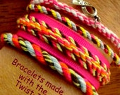Wildflower Twist It Craft Tool and bracelet maker