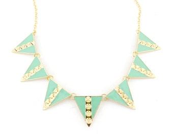 Beautiful Gold-tone Mint Green/Pink Triangle/Pyramid Rivet Statement Necklace D3+
