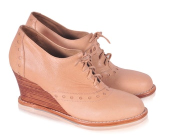 DAYDREAM. Oxford wedge / oxford booties / leather wedges / wedge booties / oxford shoes / heels. Available in different leather colors.