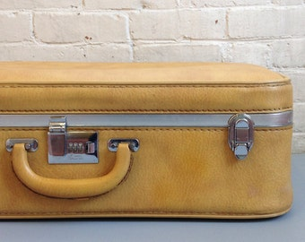 Ventura Light Tan Suitcase Luggage Large Case Storage Leather Pleather Gold  Silver Buckles Medium Weekend Bag Vinyl