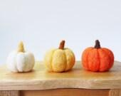 Wool Felt Halloween Pumpkin, set of 3 - Needle felted pumpkin Thanksgiving Gift Halloween Home Decor home Decoration Holiday Decor
