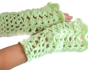 Warmers Women, Green Winter Mittens, Womens Mittens, Winter Mittens, Green Mittens, Crochet Mittens, Wrist Warmers Women, Green Gloves