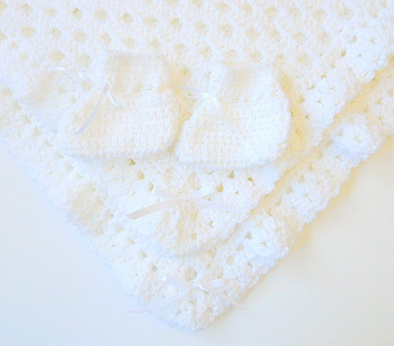 White Blanket And Booties Baby Boy Afghan Newborn Girl Shower Gift Baptism Set Infant 3 To 6 Months Slippers