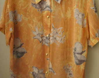 Sheer Chiffon Peach Short sleeved Blouse with a Grey Floral Pattern, Boxy Fit