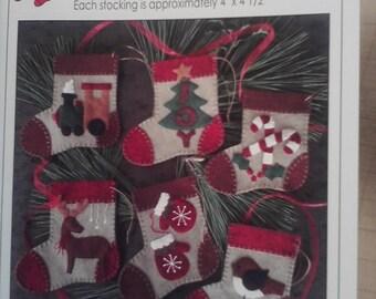 Wool Applique Ornaments pattern - 'Warm Feet'