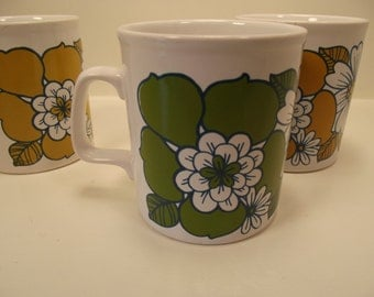 HAPPY FLOWERED MUGS Set of Three Made in England (3)