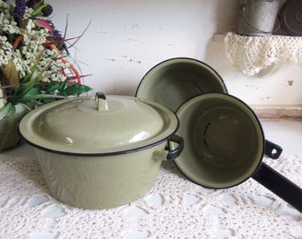 Vintage Green Graniteware Cooking Pot Set 2 Sauce Pans, and 2 Covered Lidded Pot  B262
