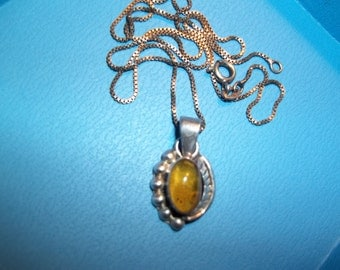 Vintage Sterling Silver Amber Necklace