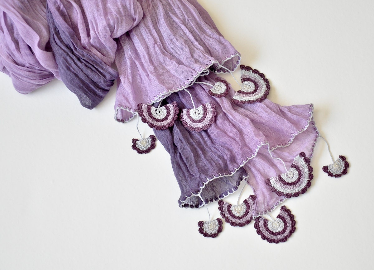 lila tie dye schal ombre wickeln schal h kelspitzen von reddapple. Black Bedroom Furniture Sets. Home Design Ideas