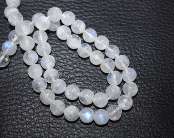 Natural AAA Quality Rainbow Moonstone 7 to 8mm Smooth Round Gemstone Beads 13 Inches RD084
