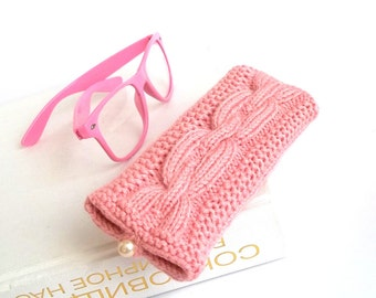 SALE - 50% OFF. Pink Glasses Case. Reading Glasses Case. Eyeglasses or Sunglasses Holder. Knit Glasses Case.