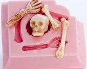 Skeleton mold - skull and bones jewelry mold - clay skull mold - fimo skeleton mold - gothic jewelry mold - pmc mold - resin skull (517)