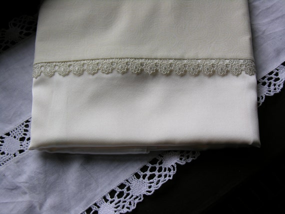 Mulberry silk charmeuse pillowcases (pair) white with flower trim