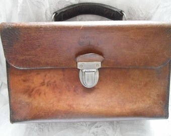 Vintage Handbag,  Paris France , Work Bag, Paris France, Chore, Old Leather Bag, Leather Briefcase, Old French Clothes, Old Leather Goods