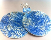 DISC BLUE EARRINGS, mother of pearl, circle earrings, nacre, flowers, Valentines day, blue, white, romantic - ERYCOLLECTION