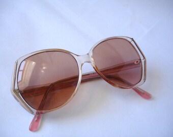 Vintage 1980's Women's tinted eyeglasses - See our huge collection of vintage eyewear