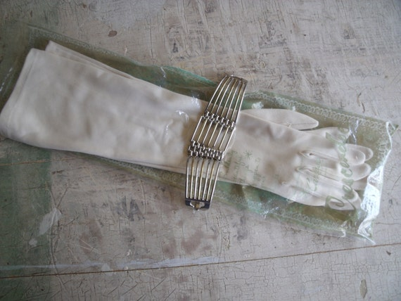 Vintage 1950s Gloves Fabric Opera Length With 1970s Gold And Silver Link Bracelet