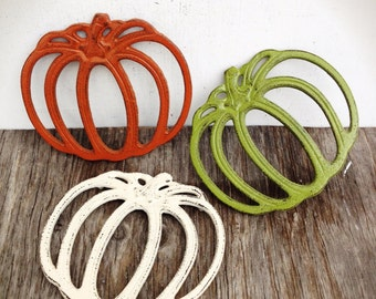 BOLD trio of fall pumpkin trivets // olive green, cinnamon brown, & ivory linen white // rustic shabby cottage chic // thanksgiving serving