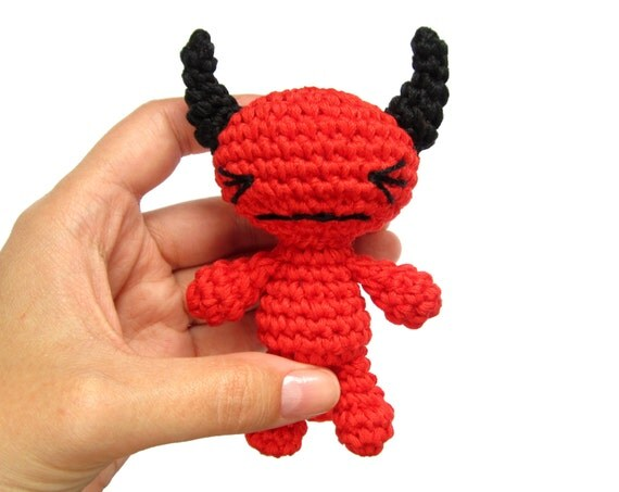 CROCHET PATTERN - Devil - Small amigurumi devil tutorial - Crochet tutorial with photos - Cute red devil - Soft toy pattern - EN-035